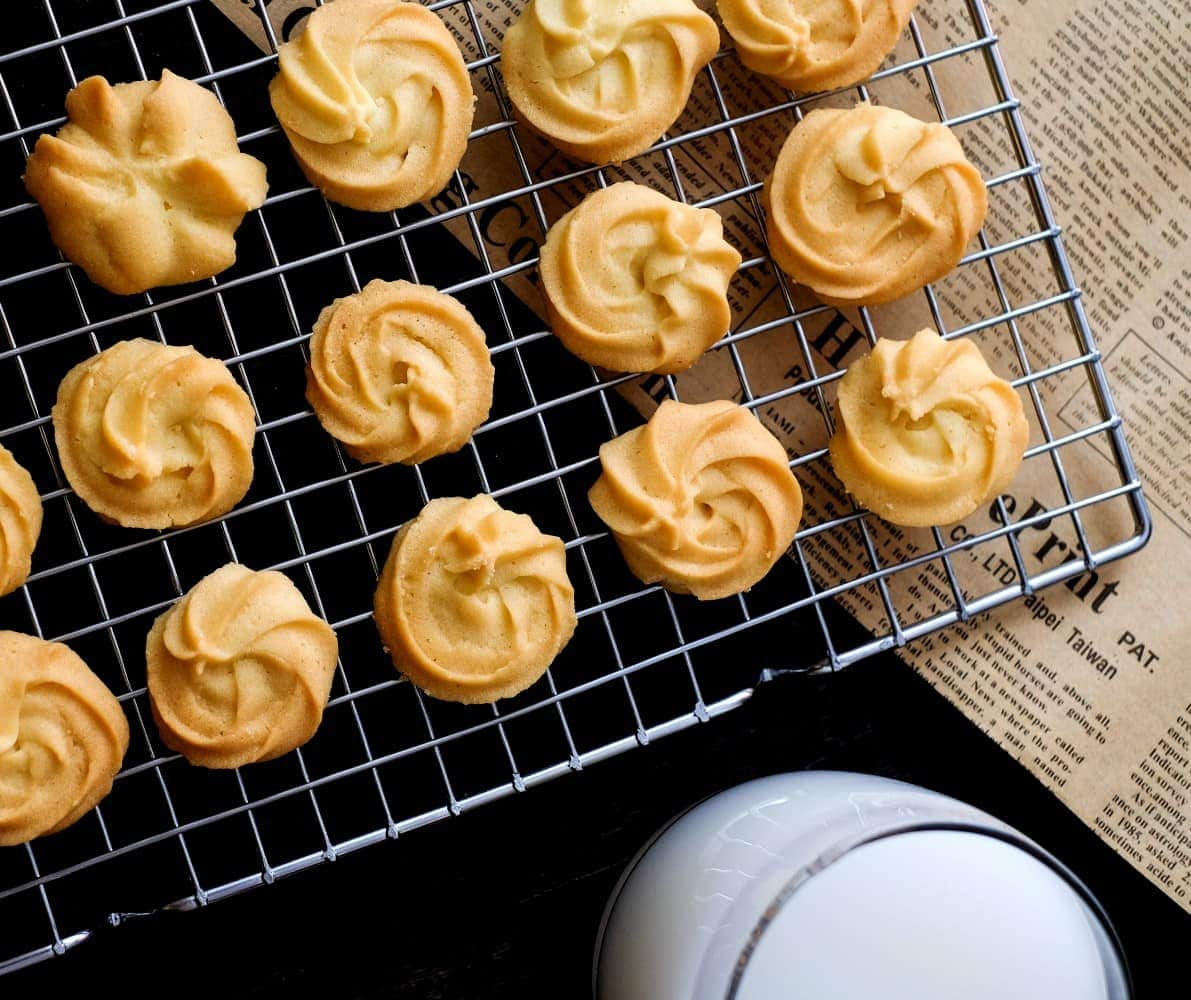 This authentic Italian butter cookie recipe only needs a few hours of preparation.